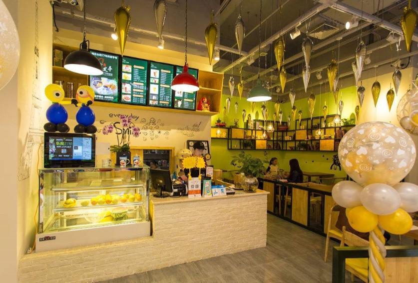 饮品加盟-成都饮品小吃店装修风格,如何装修更吸引人气