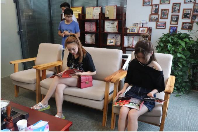 餐饮加盟连锁店挣钱 选炖青春