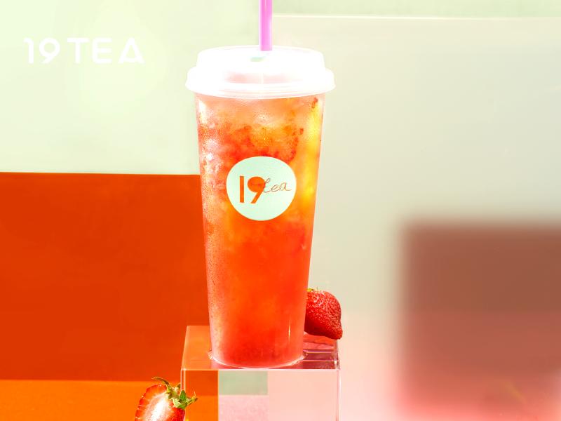 19TEA加盟 草莓鲜果茶