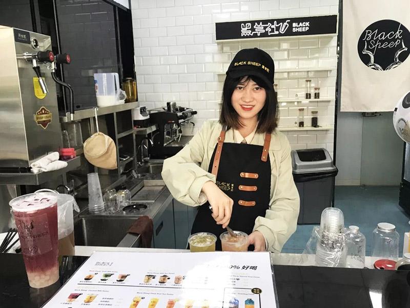 黑羊社奶茶加盟 店面图